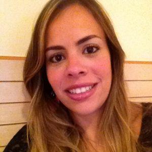 EX-ALUNA: Caroline Sampaio