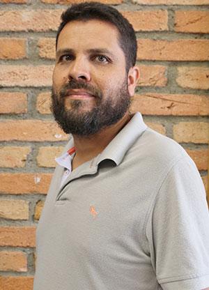 Carlos Alvares
