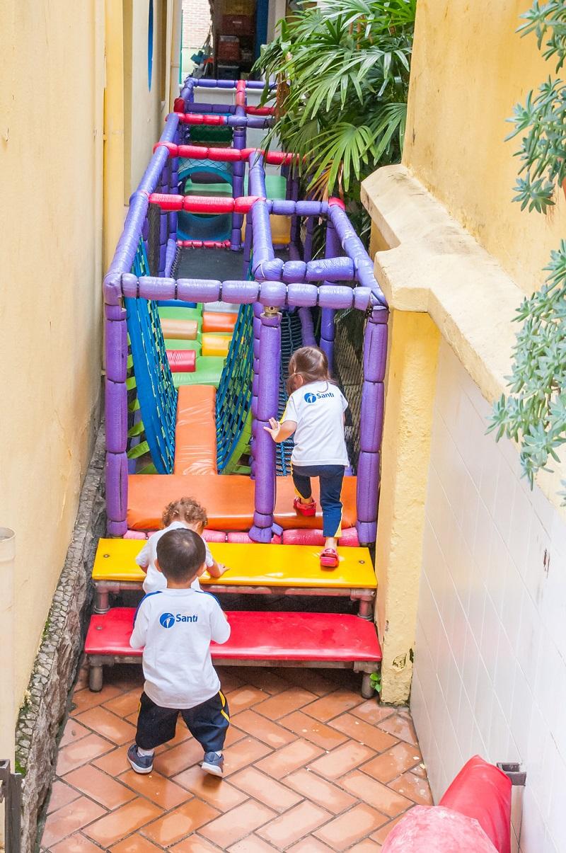 Educação Infantil - corredor das sensações