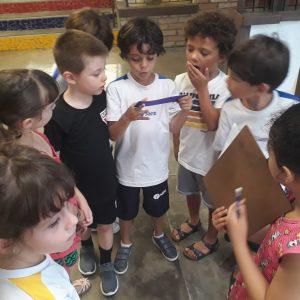 Conhecendo A Escola: Alunos Do 1º Ano D Passeiam Pela Santi